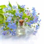 まつげ美容液の役割はまつげの保護と毛質の改善